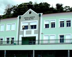 escola_bica_de_pau